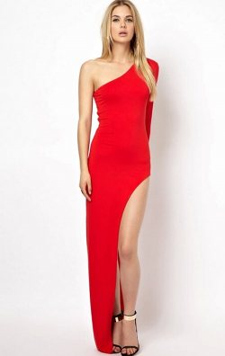 Kırmızı Derin Yırtmaçlı Uzun Elbise