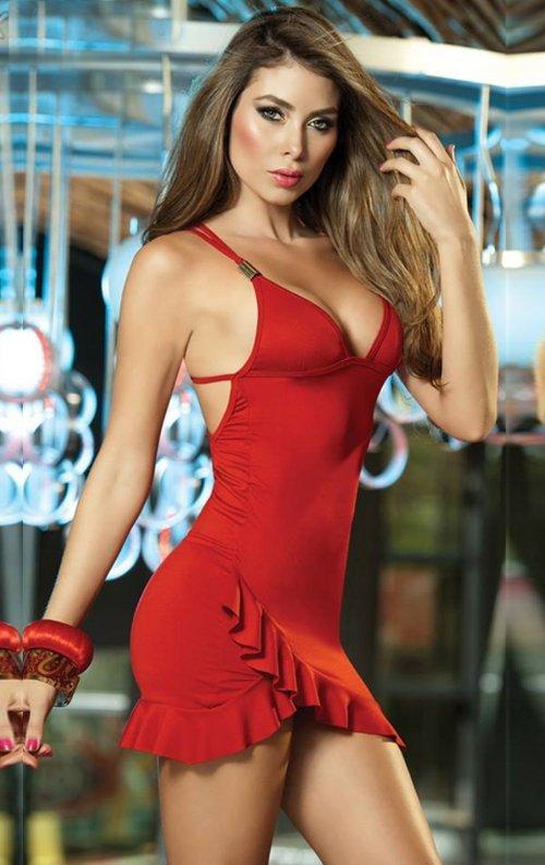 Kırmızı Sahne Elbisesi