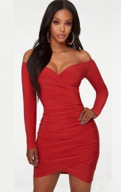 Uzun Kollu Büzgülü Kırmızı Mini Elbise