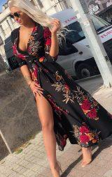 Çiçek Desenli Yırtmaçlı Uzun Elbise