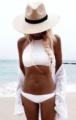 Şık Beyaz Tankini Bikini Üst