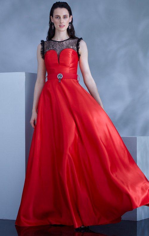 Kırmızı Saten Kolsuz Uzun Abiye Elbise