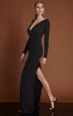 Siyah Uzun Kol Yırtmaçlı Uzun Abiye Elbise