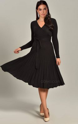 Siyah Pileli Triko Midi Elbise