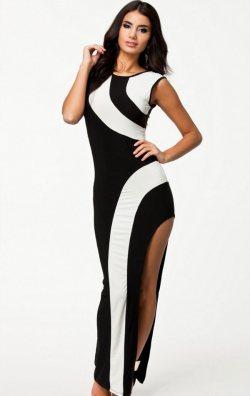 Yandan yırtmaçlı uzun elbise