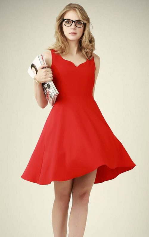 V Yaka Kırmızı Kabarık Elbise