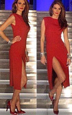 Atlas Kumaş Yırtmaçlı Kırmızı Elbise