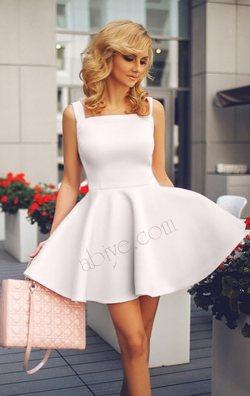 Kayık Yaka Kolsuz Beyaz Kloş Mini Elbise