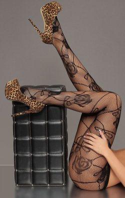 Gül Motifli Seksi Külotlu Çorap