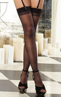 Düz siyah jartiyer çorabı