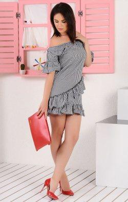 Pötikare fırfırlı elbise