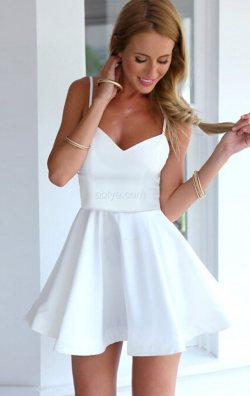 Beyaz Askılı Kloş Abiye Elbise