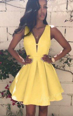 Sarı Dekolteli Blanc Elbise