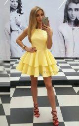 Kat kat fırfırlı sarı abiye elbise